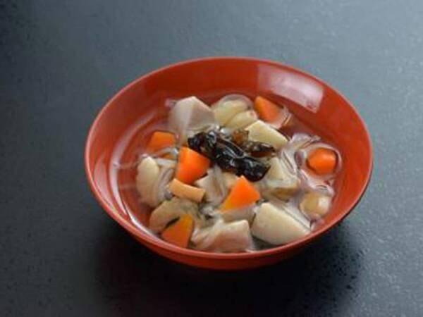 *夕食一例/会津の郷土料理こづゆは、海産物で出汁をとったやさしいお味。