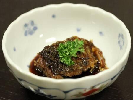 *ご当地名物「鯉の甘露煮」。柔らかく煮てあるので骨まで食べられます。