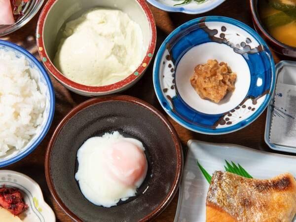 *【朝食】温かい朝食は、ごはんに合う逸品ぞろい