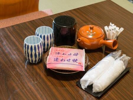 *【お茶菓子セット一例】
