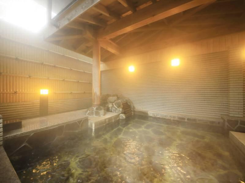 【露天風呂】ほんのりと緑色がかった『大洗温泉』のあたたかな湯を堪能