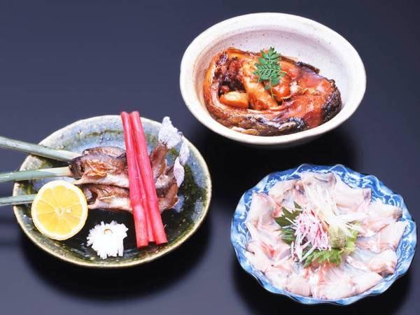 (WEB用画像)*夕食一例/鯉や川魚を使ったお料理も。優しい里山の恵みをご堪能下さい。