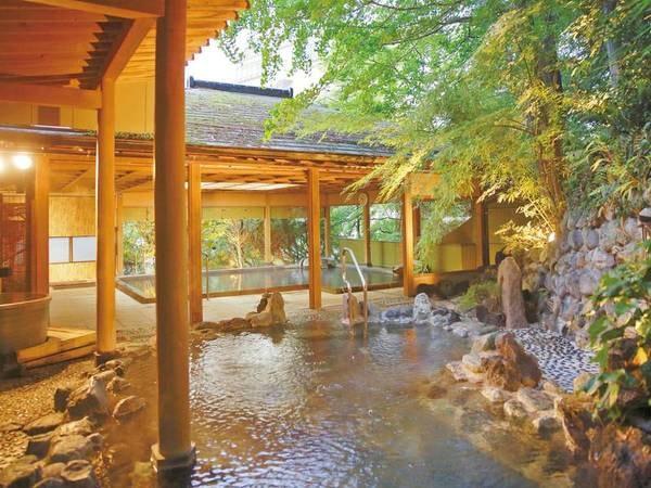 【露天風呂「日光」】自家源泉3本所有し、圧倒的な湯量をかけ流し!