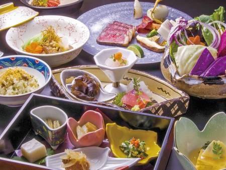 那須高原が誇る厳選食材をシンプルな調理法で、那須高原ならではの日本料理をご提供。素材がもつ本当の美味しさをお楽しみください(写真は一例)