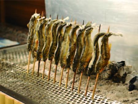 【60種バイキング/例】川魚などの網焼きコーナー