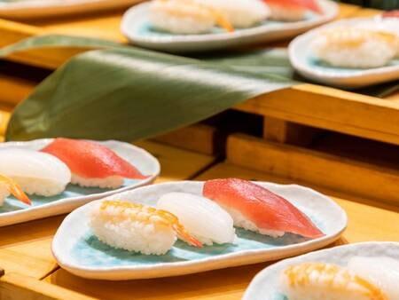 *【夕食バイキング(一例)】お子様からお年寄りまで大人気のお寿司もご用意しております♪