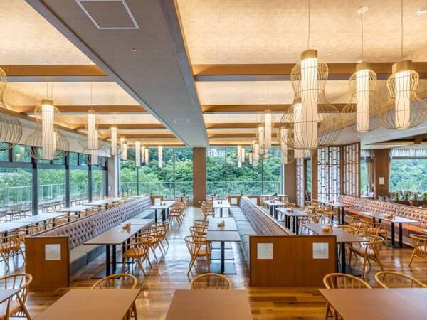*【レストラン絹の川(一例)】鬼怒川の緑を感じながら、のんびりとした朝食を。