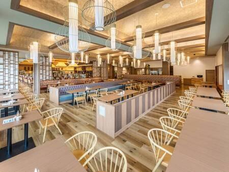 *【レストラン絹の川(一例)】リニューアルして広くなった店内で、わいわい楽しいお食事を!