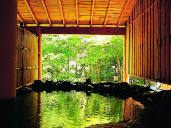 【露天風呂】温泉に浸かりゆったりのんびり