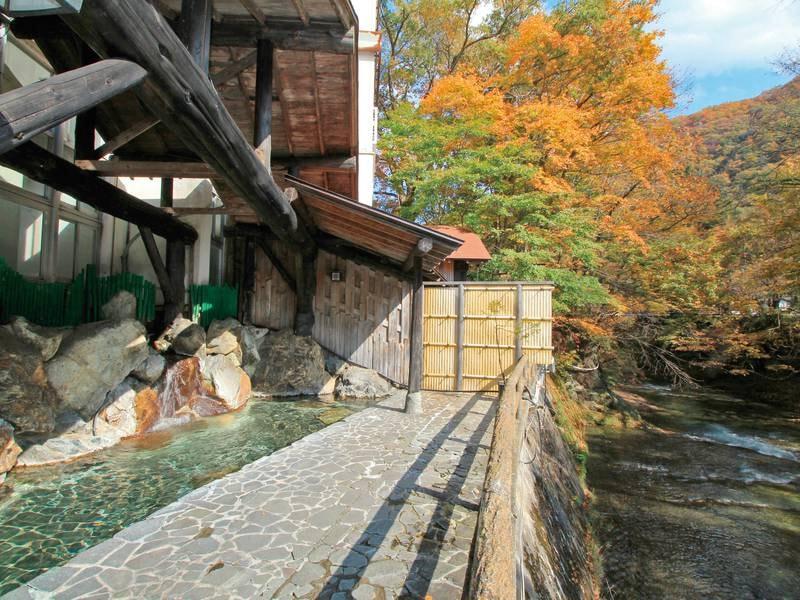【絶景露天風呂】湯西川渓谷を眼下に望むゆったりとした造り