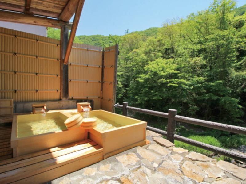 【無料貸切風呂】3種の趣異なる貸切風呂は空いていれば何回でも利用OK!(檜貸切露天風呂)