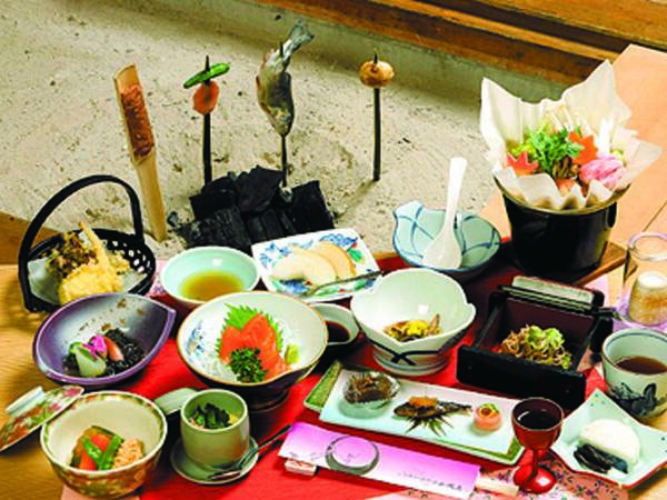 【囲炉裏会席/例】平家伝統の囲炉裏料理を堪能
