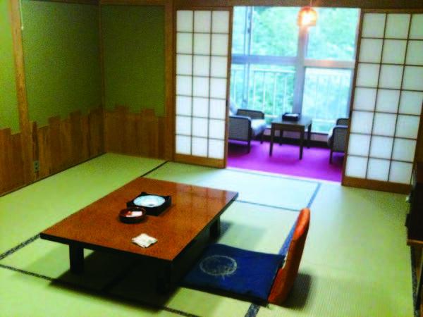 【和室/例】全室湯西川渓谷を望むゆったり和室