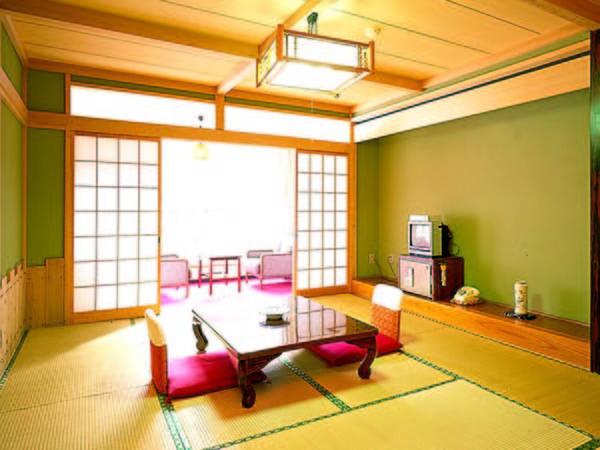 【高層階客室/例】湯西川渓谷を望む高層階客室をご用意(特典満載プランにて要予約)