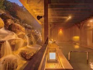 【天空の滝露天風呂】名物♪滝の流れる時間…6:00~8:30/16:00~18:30