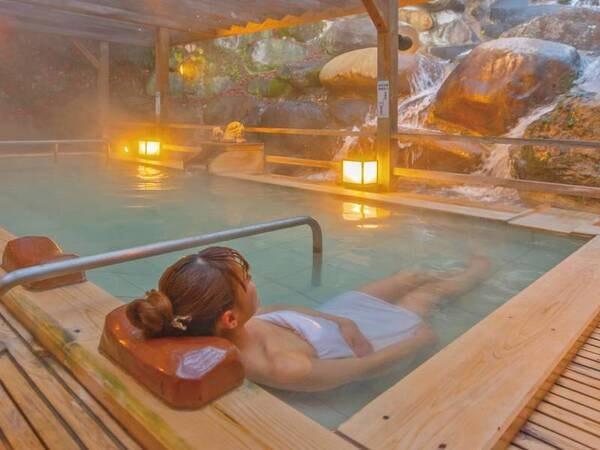 【露天風呂】3段の深さの寝湯をご用意