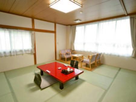 【和室/例】お部屋はゆったり10畳以上のタイプをご用意