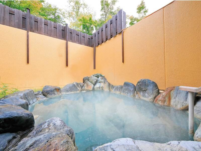 【露天風呂】緞子(どんす)の湯