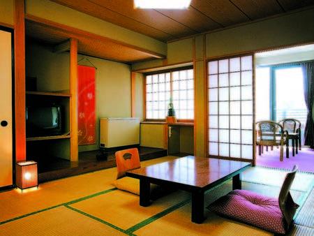 【愛山荘和室/例】築年数は重ねているが清潔感あり