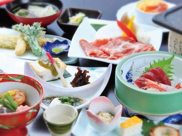 【季節の会席/例】地元の食材を使ったこだわりの料理を堪能