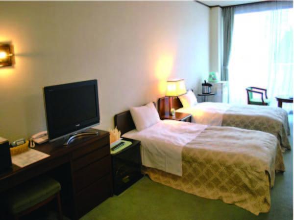 【洋室ツイン/例】ベッドが嬉しいツインタイプ!安心の洗浄機能トイレ付