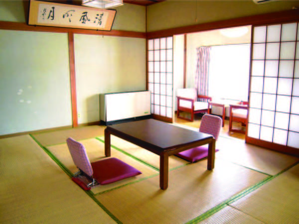 【別館1階/例】別館1階のレトロな和室。大浴場に近く便利♪