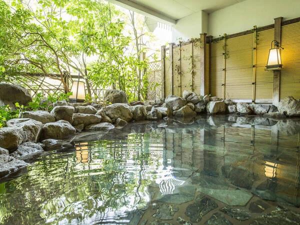 「渓谷の湯」露天風呂