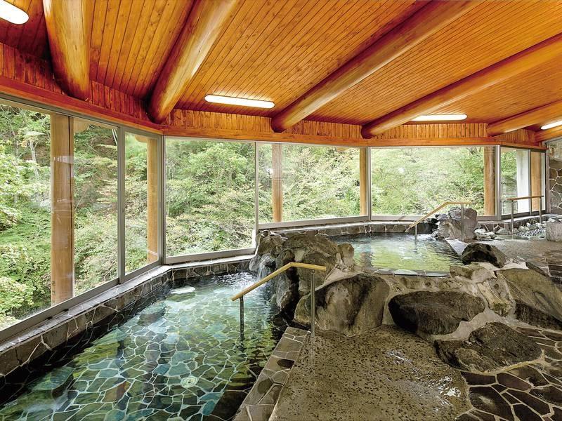 岩風呂【涼風と岩の湯】