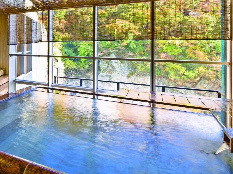 【露天風呂】風情たっぷりの源泉かけ流しの湯※かけ流しは露天風呂のみ