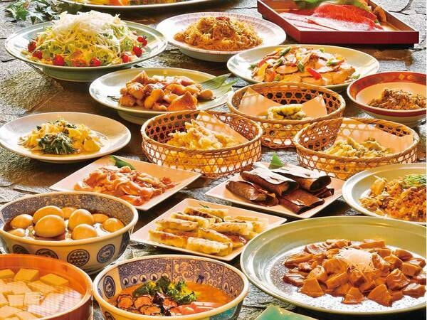 ★和食・中華・小鉢ビュッフェから宿お任せ※指定不可★【和食ビュッフェ/例】旨味をことことと煮含めた煮物などおばんざい料理でほっこり