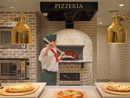 【ブッフェ(バイキング)/例】特製のピザ窯で焼き立てのピザをご提供
