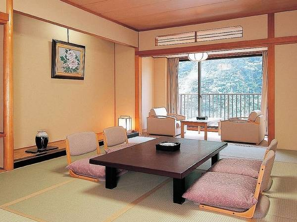 【秀峰館和室渓谷側12畳例】清潔感あふれるスタンダードなお部屋