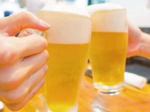 通常ビール1杯600円のところ、予約時の申込で2杯909円!