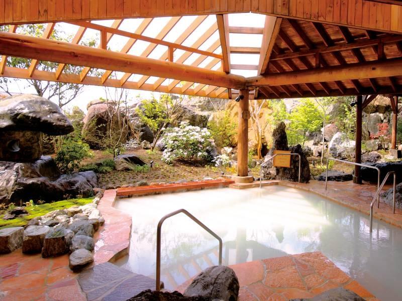 【湯遊天国】硫黄泉・弱アルカリ泉・マグネシウム泉と、3種の泉質を愉しめる!
