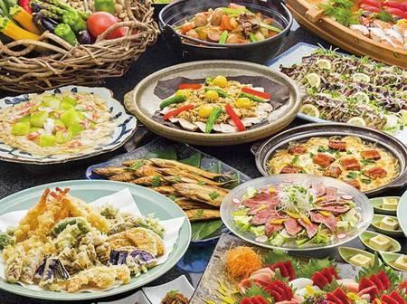 【本館/夕食一例】握り寿司や天ぷら、蕎麦をはじめとした和食メニューを中心にご用意