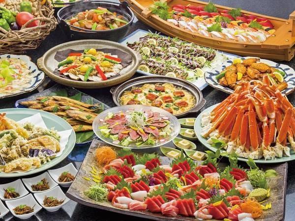 【本館/夕食一例】和食中心に洋食も揃う人気バイキング!人気の蟹『蟹』も楽しめる♪
