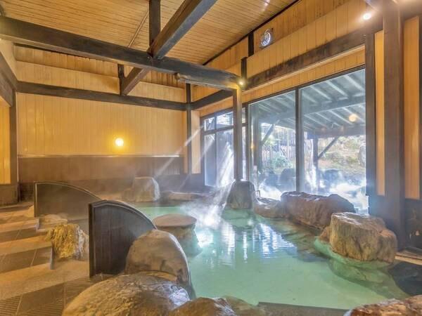 【大浴場】内湯は草津の湯を源泉かけ流し