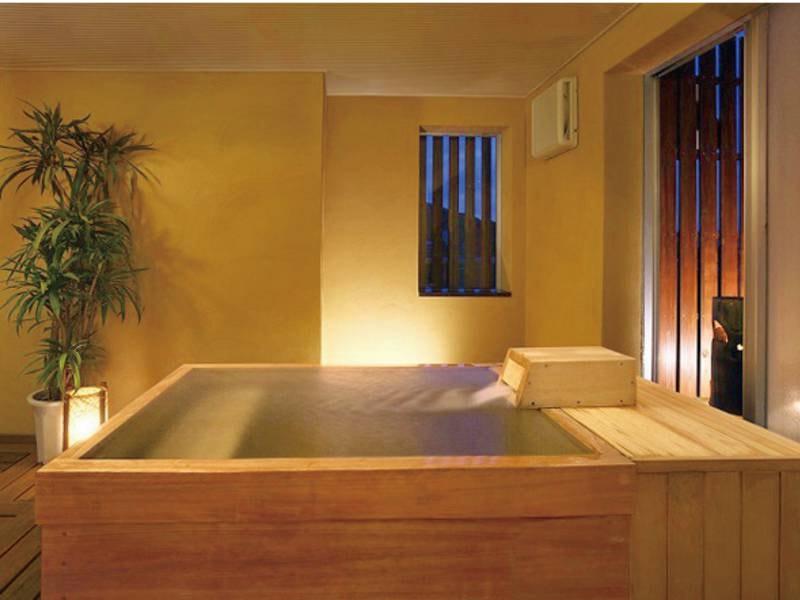 【貸切風呂】木のぬくもり、大人モダンな空間※3,024円・45分間
