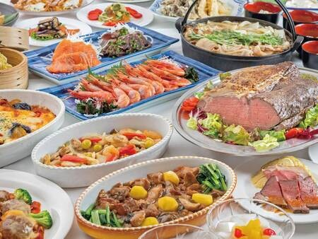 【夕食/例】カフェテリア形式で和洋中料理が食べ放題!