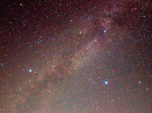 灯りの少ない万座温泉では、晴れた夜には満天の星が広がります。
