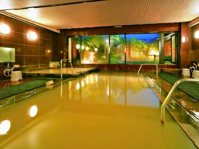 【大浴場】伊香保の名湯「黄金の湯」をぬるめ・あつめと2つの湯温で楽しめる