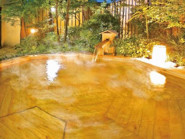 【総檜造り露天風呂】季節の移ろいを感じながら入浴できる ※露天風呂は温泉ではございません