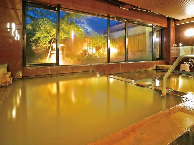 【大浴場】伊香保でも数少ない源泉「黄金の湯」が掛け流されている