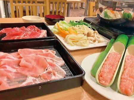 【バイキング/例】お肉は牛肉・豚肉・つくねをご用意しております