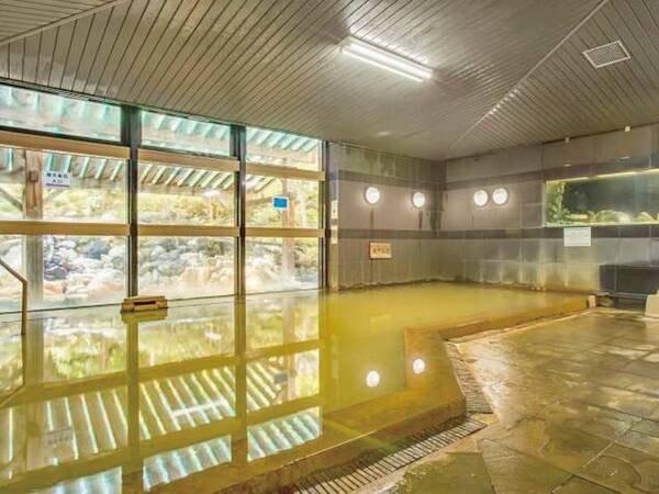 【大浴場】自然の恵みを受けた、美肌の湯を心ゆくまで堪能