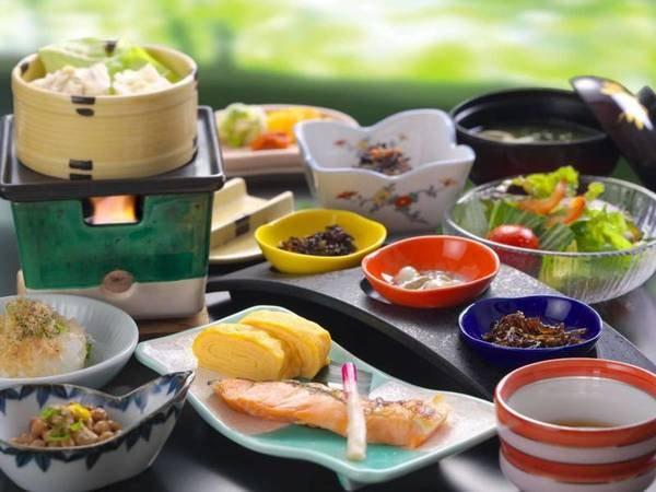【朝食/例】お食事会場での和会席膳料理をご用意