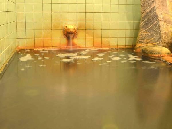 *【温泉】こんこんと沸き続ける温泉。珍しいラドンの多い泉質に、治療のため全国から訪れて頂いてます。