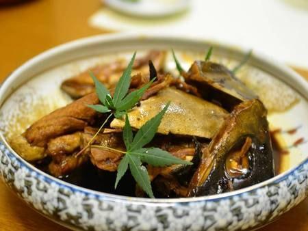 【夕食例】あら炊きです。味のしみたどこか懐かしいホッとする一品です。