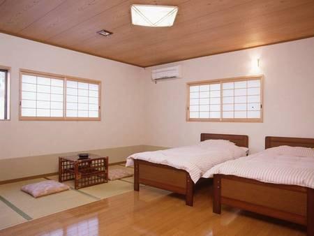【部屋(和洋室)】ゆったり寛げる、和洋室11畳のお部屋です。