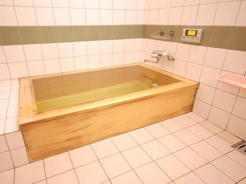 龍神温泉の天然かけ流しの湯でお肌すべすべ美人肌 ◆【貸切家族風呂】としてもご利用いただけます◆